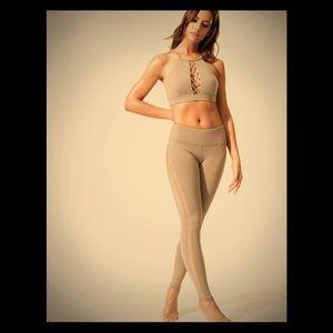 Alo Yoga Everlast Leggings